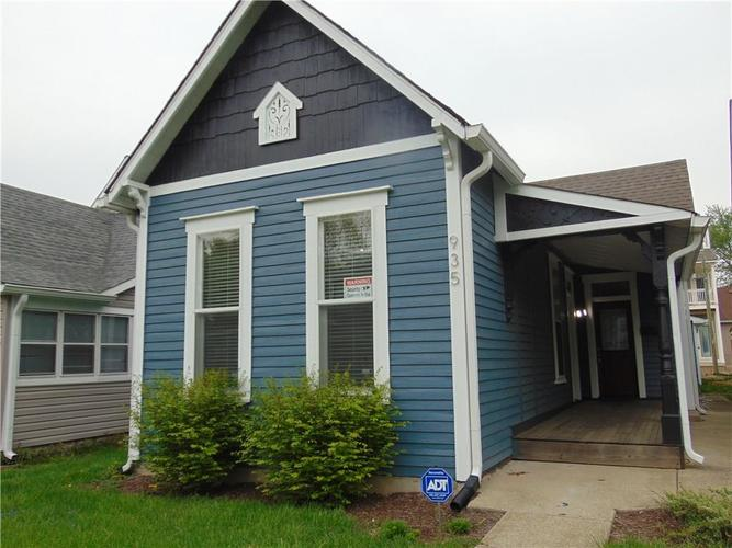935 Spruce Street Indianapolis, IN 46203 | MLS 21637062 | photo 1