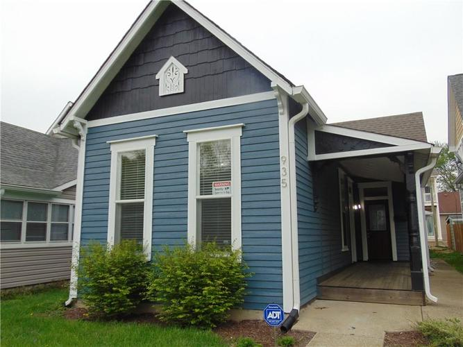 935 Spruce Street Indianapolis, IN 46203 | MLS 21637062 | photo 2