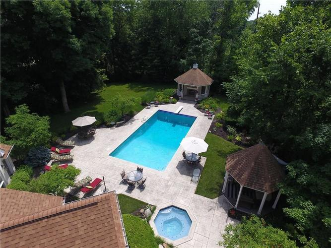 10195  Oak Ridge Drive Zionsville, IN 46077 | MLS 21637070