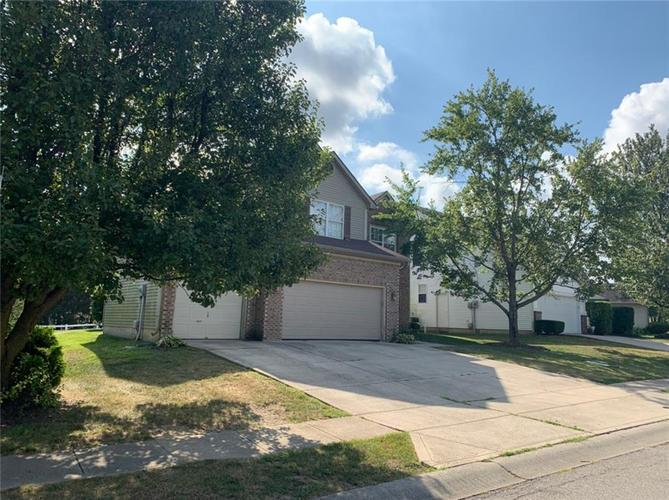 6191  CHADWORTH Way Lawrence , IN 46236 | MLS 21637101