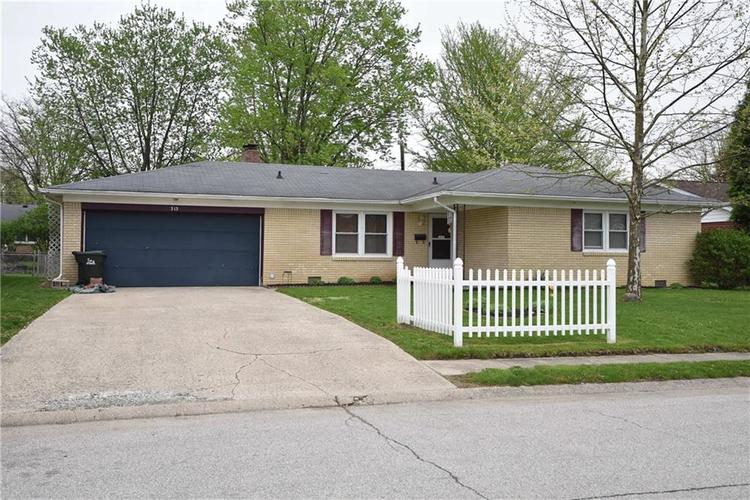 313  Roosevelt Drive Greenfield, IN 46140   MLS 21637116