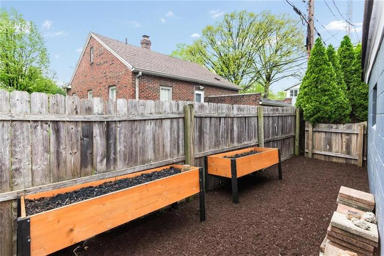 1015 E 61st Street Indianapolis, IN 46220 | MLS 21637318 | photo 35