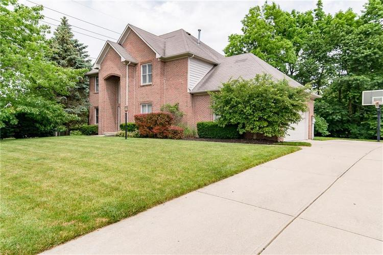 394 Pintail Court Carmel, IN 46032 | MLS 21637521 | photo 2