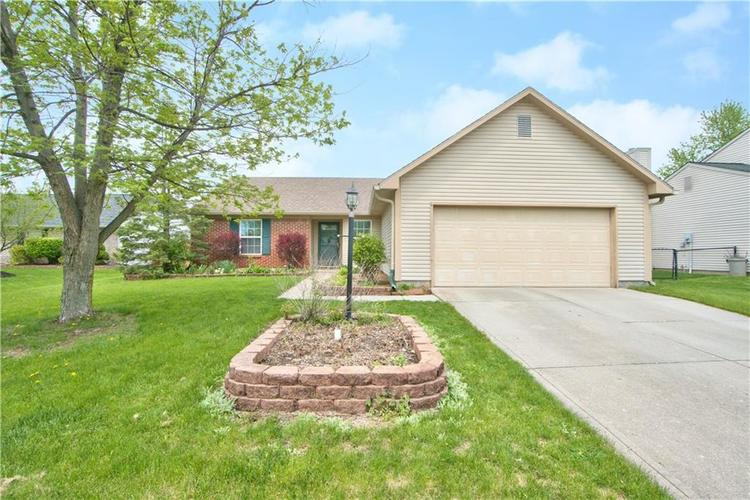 8 Eastbranch Brownsburg, IN 46112 | MLS 21637610 | photo 1