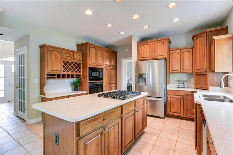 10017 WATER CREST Drive Fishers, IN 46038   MLS 21637619   photo 11