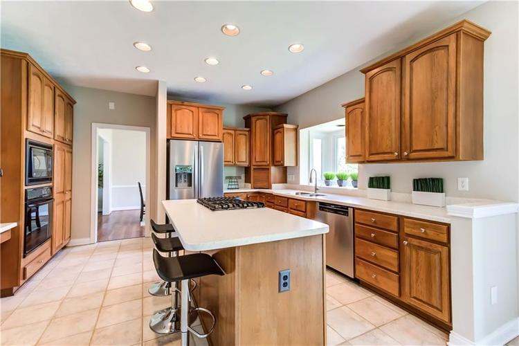 10017 WATER CREST Drive Fishers, IN 46038   MLS 21637619   photo 12