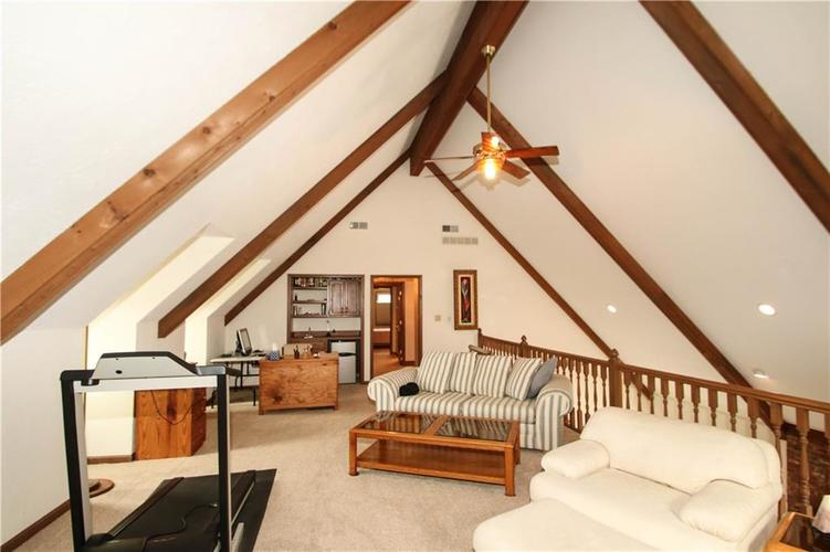 690 Morningside Court Zionsville, IN 46077 | MLS 21637620 | photo 21