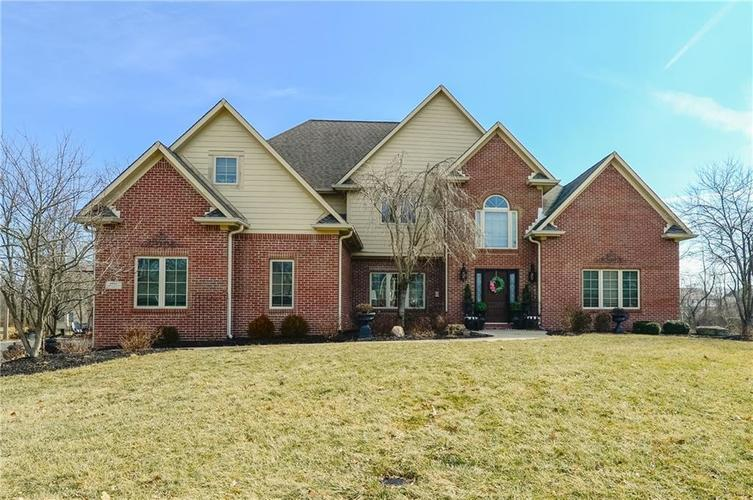 8017 Shady Woods Drive Indianapolis, IN 46259 | MLS 21637632 | photo 1