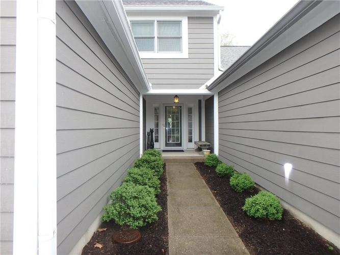 3128 RIVER BAY DR N Indianapolis, IN 46240 | MLS 21637646 | photo 3