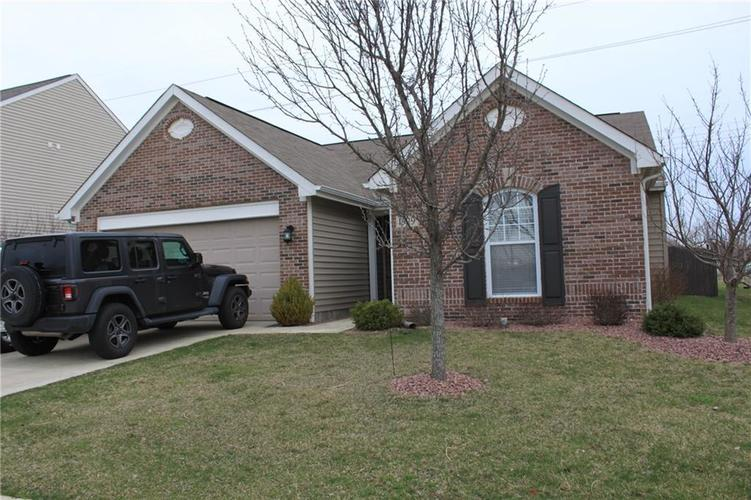 1929 Collingwood Drive Avon, IN 46123 | MLS 21638002 | photo 1