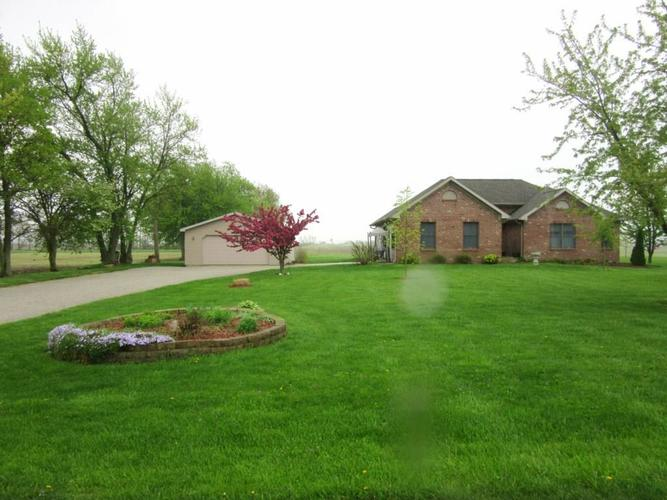 2275 W 650  Crawfordsville, IN 47933 | MLS 21638005