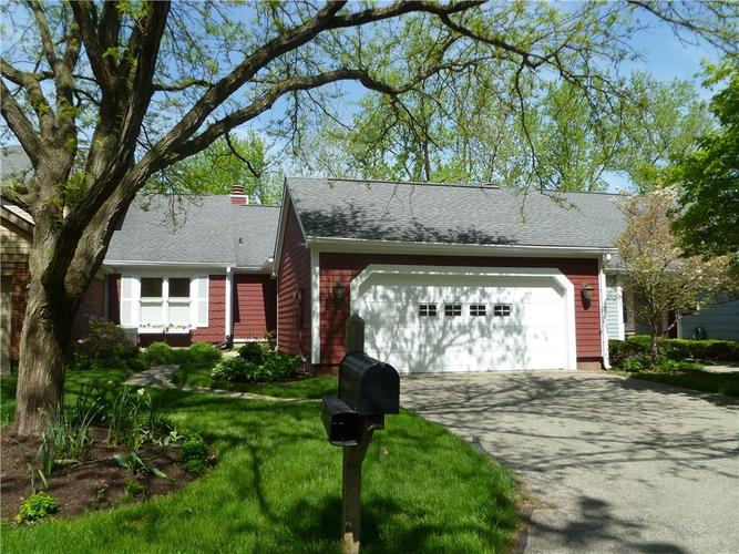 7628 Bay Shore Drive Indianapolis, IN 46240 | MLS 21638088 | photo 1