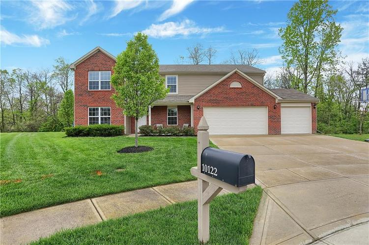 10122 Falcon Cove Circle Indianapolis, IN 46236 | MLS 21638393 | photo 1