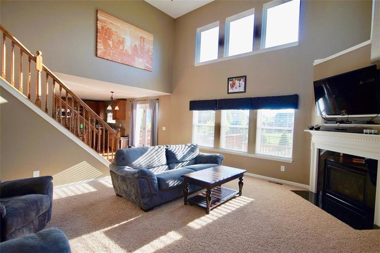 13884 WENDESSA Drive Fishers, IN 46038 | MLS 21638427 | photo 4