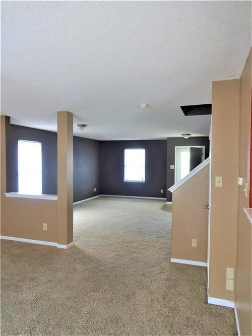 9154 MIDDLEBURY Way Camby, IN 46113 | MLS 21638466 | photo 3