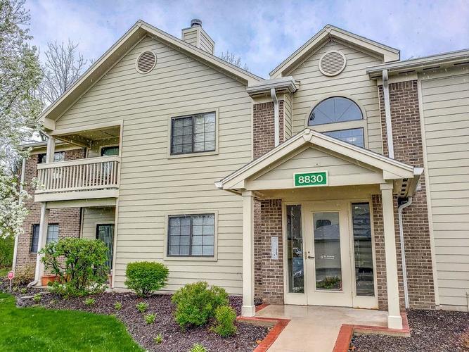 8830  Yardley Court Indianapolis, IN 46268 | MLS 21638468