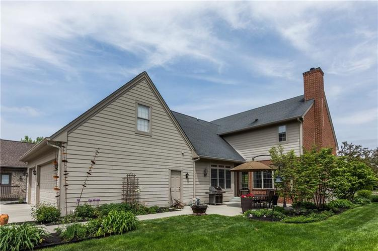 7669 Carriage House Way Zionsville, IN 46077 | MLS 21638561 | photo 10