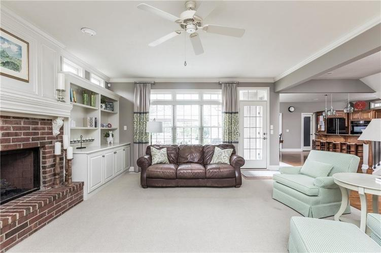 7669 Carriage House Way Zionsville, IN 46077 | MLS 21638561 | photo 13