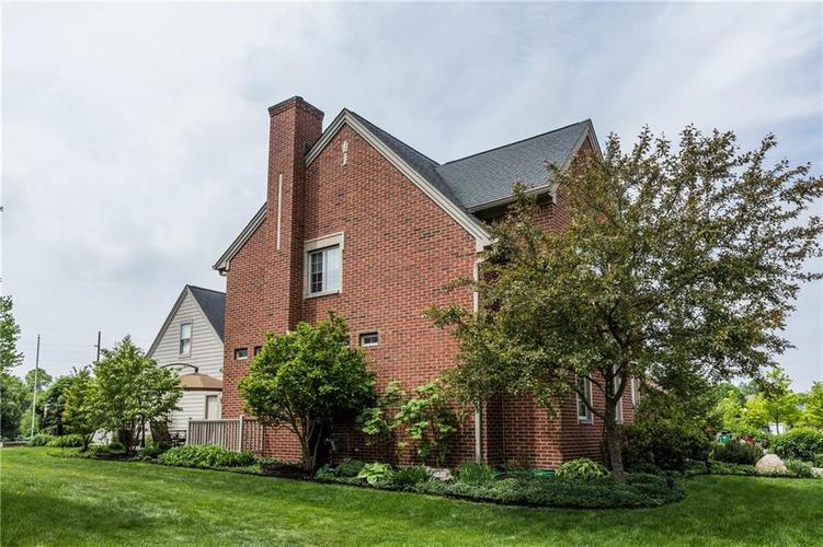 7669 Carriage House Way Zionsville, IN 46077 | MLS 21638561 | photo 4