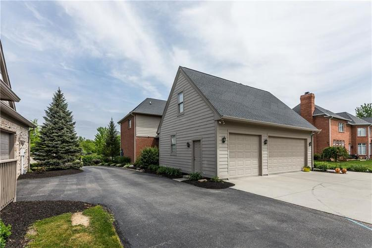 7669 Carriage House Way Zionsville, IN 46077 | MLS 21638561 | photo 8