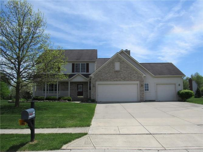 7975 Parkview Brownsburg, IN 46112 | MLS 21638594 | photo 1