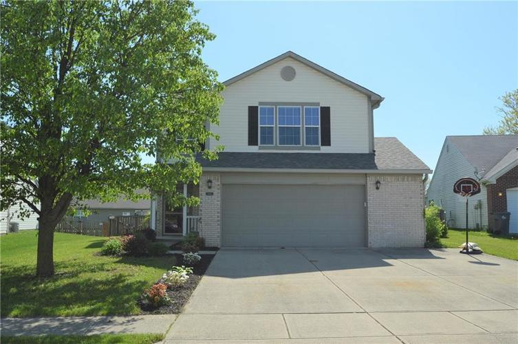2869 Foxbriar Place Indianapolis, IN 46203   MLS 21638612   photo 1