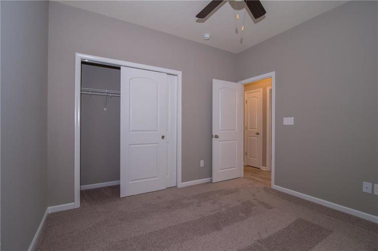 7226 Wooden Grange Drive Indianapolis, IN 46259 | MLS 21638705 | photo 22