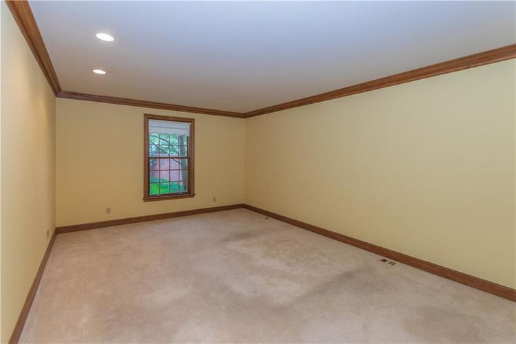 7942 Beaumont Green East Drive Indianapolis, IN 46250 | MLS 21638743 | photo 11
