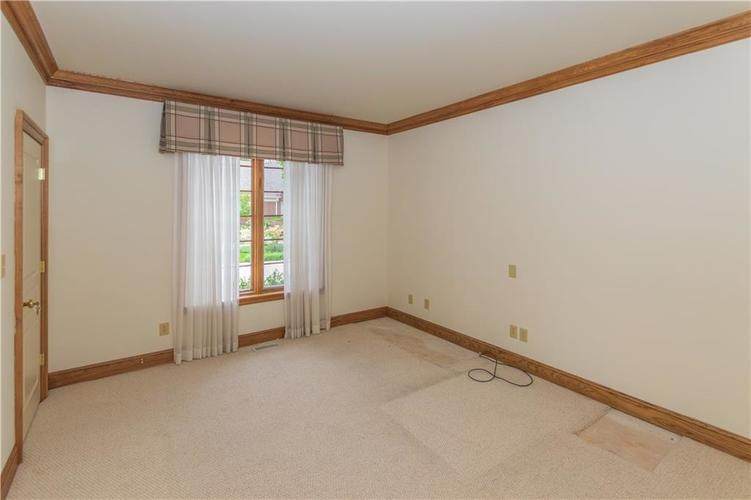 7942 Beaumont Green East Drive Indianapolis, IN 46250 | MLS 21638743 | photo 13