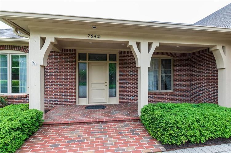 7942 Beaumont Green East Drive Indianapolis, IN 46250 | MLS 21638743 | photo 2