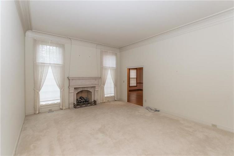 7942 Beaumont Green East Drive Indianapolis, IN 46250 | MLS 21638743 | photo 5