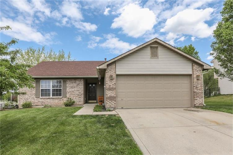 786 Pin Oak Court Franklin, IN 46131 | MLS 21638807 | photo 1