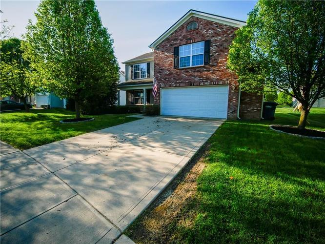 11847  Igneous Drive Fishers, IN 46038 | MLS 21638816