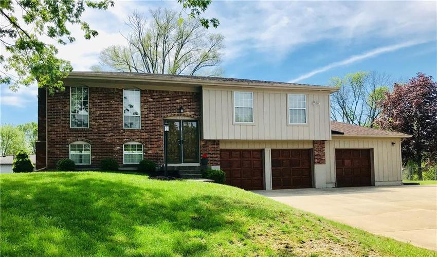 7545  TURNBERRY Court Indianapolis, IN 46237 | MLS 21638819