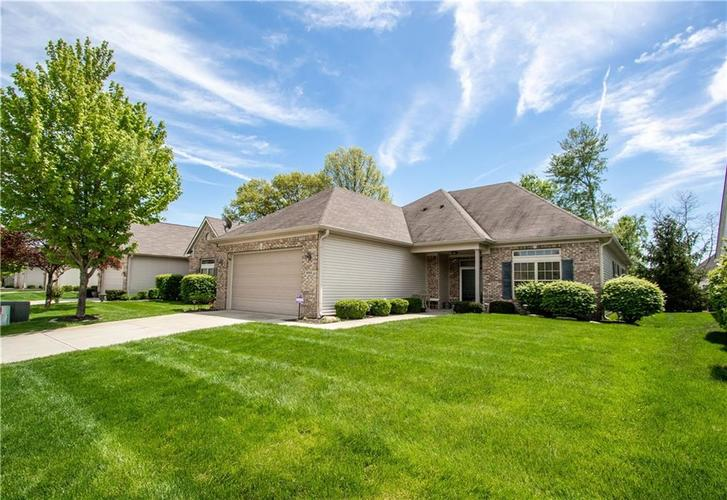 6905 WILLOW POND Drive Noblesville, IN 46062 | MLS 21639055 | photo 1