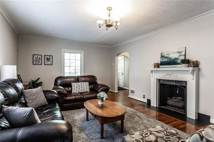5259 N CAPITOL Avenue Indianapolis, IN 46208 | MLS 21639088 | photo 4