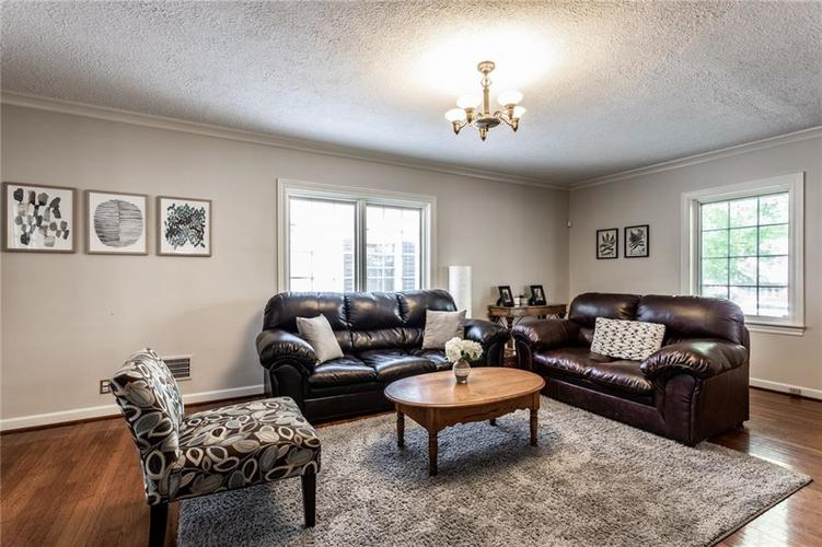 5259 N CAPITOL Avenue Indianapolis, IN 46208 | MLS 21639088 | photo 5