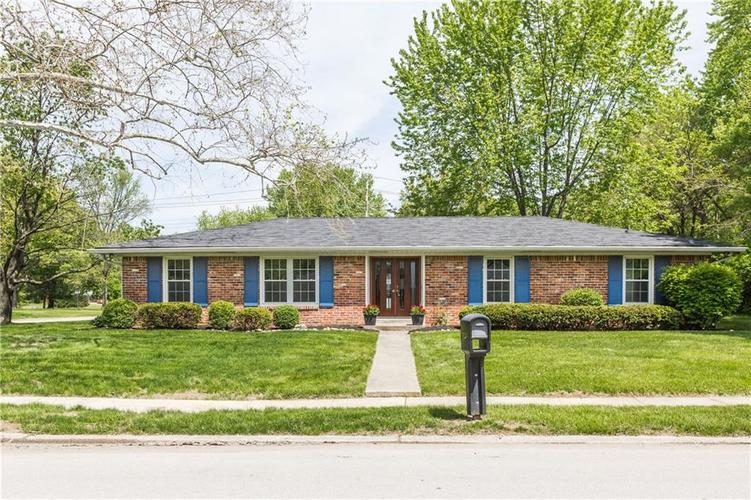1120  Woodmere Drive Indianapolis, IN 46260 | MLS 21639114