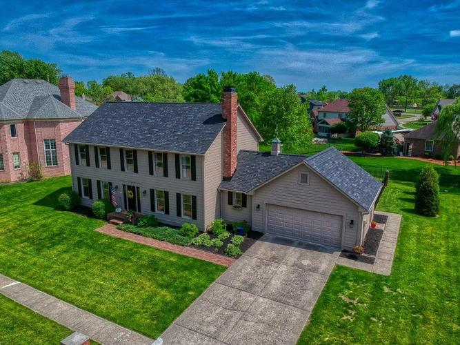 8875 CLASSIC VIEW Drive Indianapolis, IN 46217   MLS 21639147   photo 1