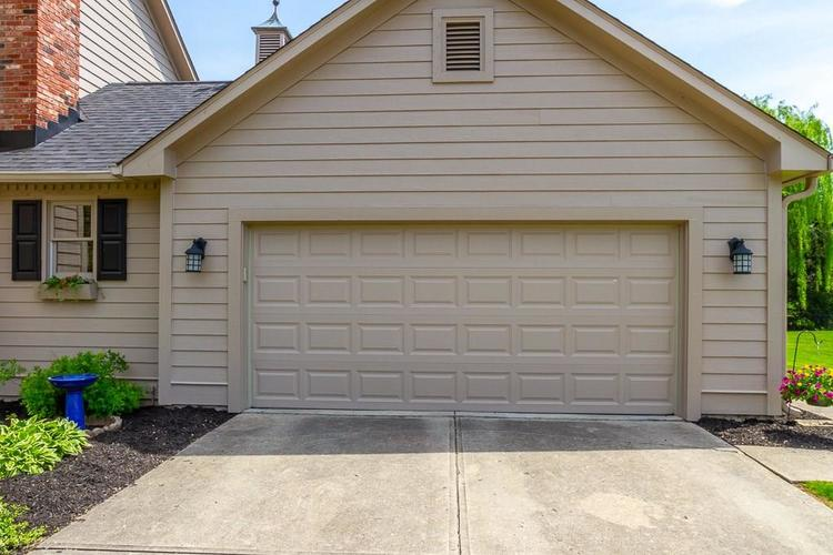 8875 CLASSIC VIEW Drive Indianapolis, IN 46217   MLS 21639147   photo 4
