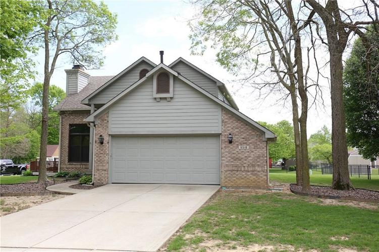 6518 Springview Drive Avon, IN 46123 | MLS 21639265 | photo 2