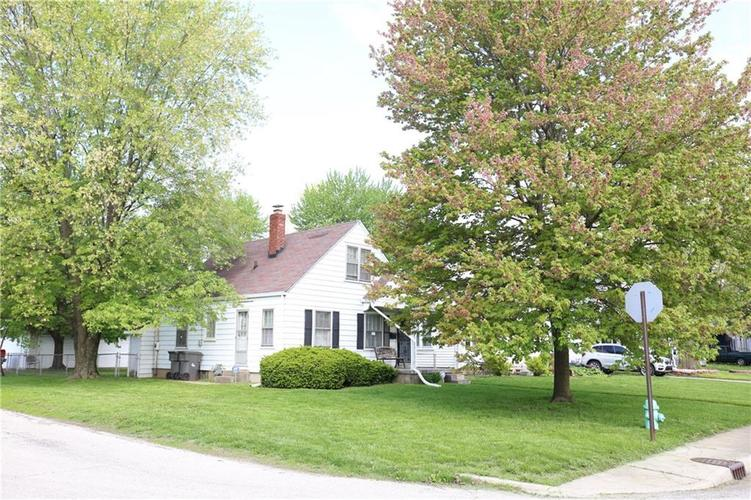 758 S Richland Street Indianapolis, IN 46221 | MLS 21639289 | photo 1