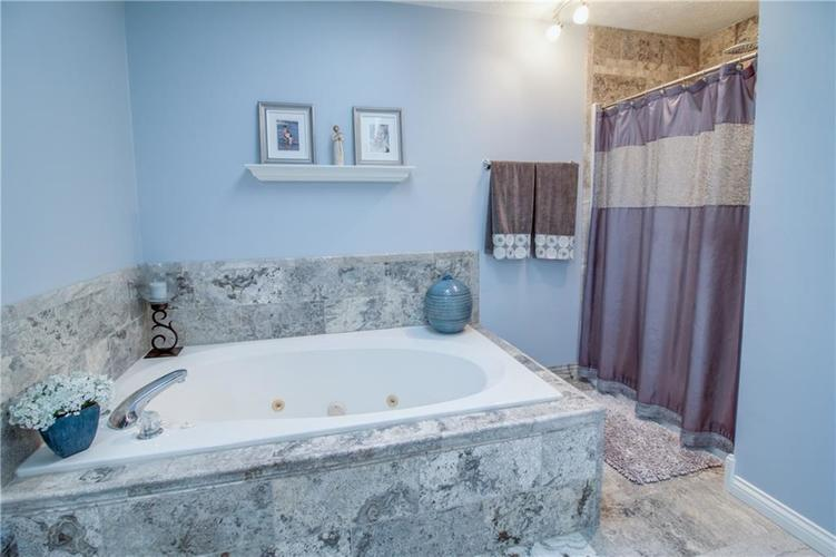 7343 OAKLAND HILLS Court Lawrence , IN 46236   MLS 21639430   photo 29