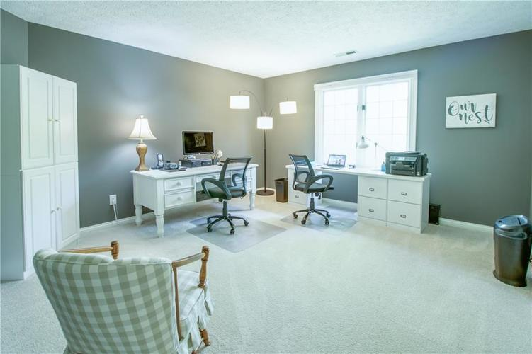 7343 OAKLAND HILLS Court Lawrence , IN 46236   MLS 21639430   photo 32