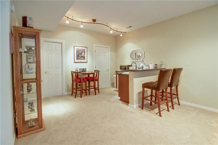 7343 OAKLAND HILLS Court Lawrence , IN 46236   MLS 21639430   photo 35
