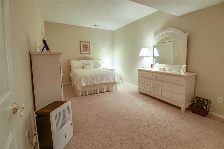 7343 OAKLAND HILLS Court Lawrence , IN 46236   MLS 21639430   photo 37