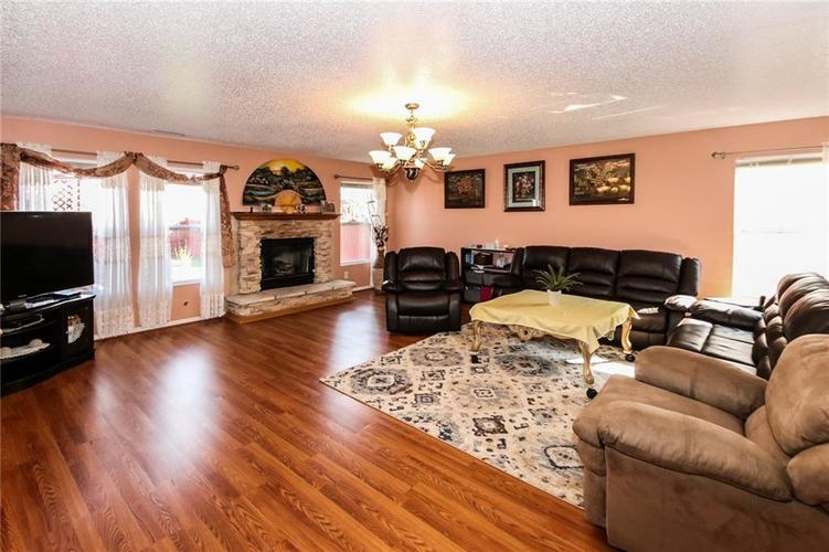 8412 Belle Union Drive Camby, IN 46113 | MLS 21639489 | photo 5