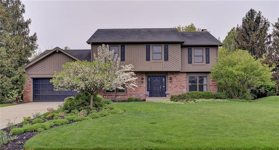 642 Woodbine Drive Carmel, IN 46033 | MLS 21639554 | photo 1