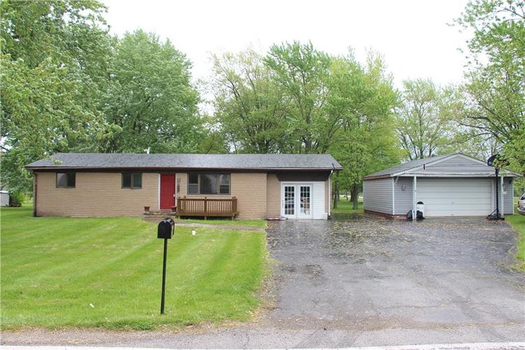 8439 Trotter Road Camby, IN 46113 | MLS 21639730 | photo 2