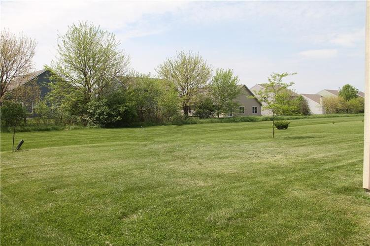 10151 Broadmeadow Dr Indianapolis, IN 46239 | MLS 21639733 | photo 3